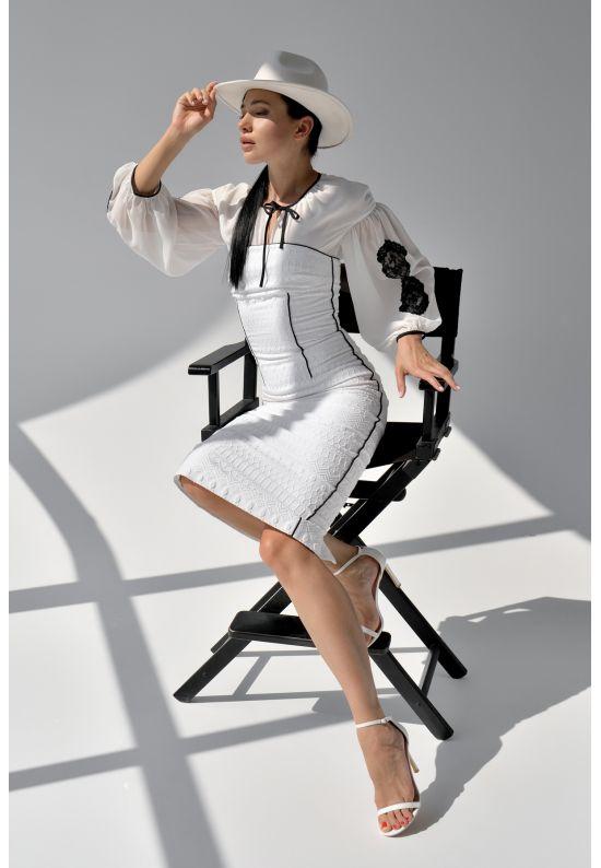 Белое платье футляр длины миди