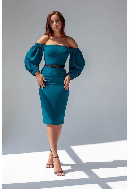 Коктейльное платье с открытыми плечами