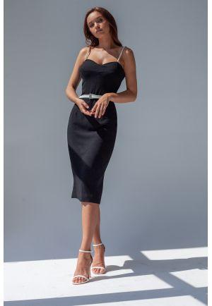 Платье-футляр на жемчужных бретелях
