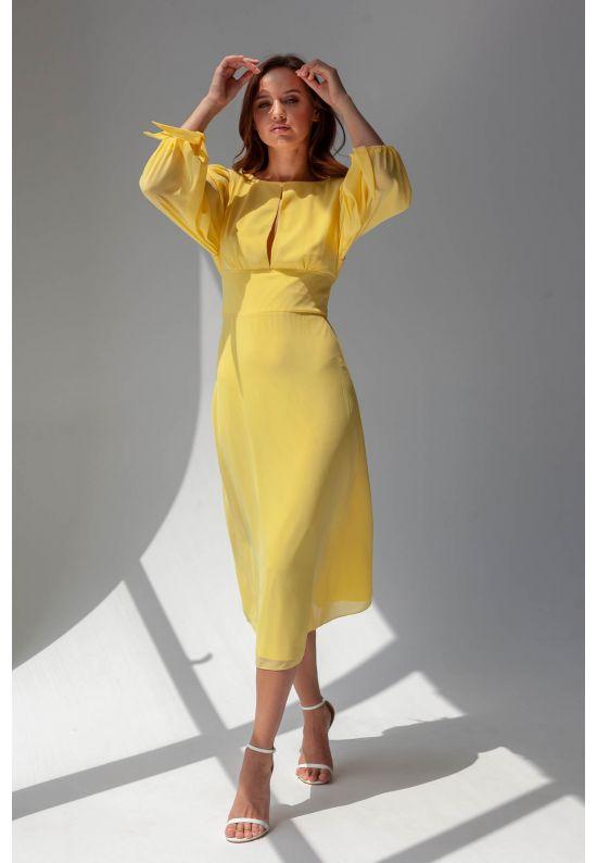 Желтое шифоновое платье с открытой спиной