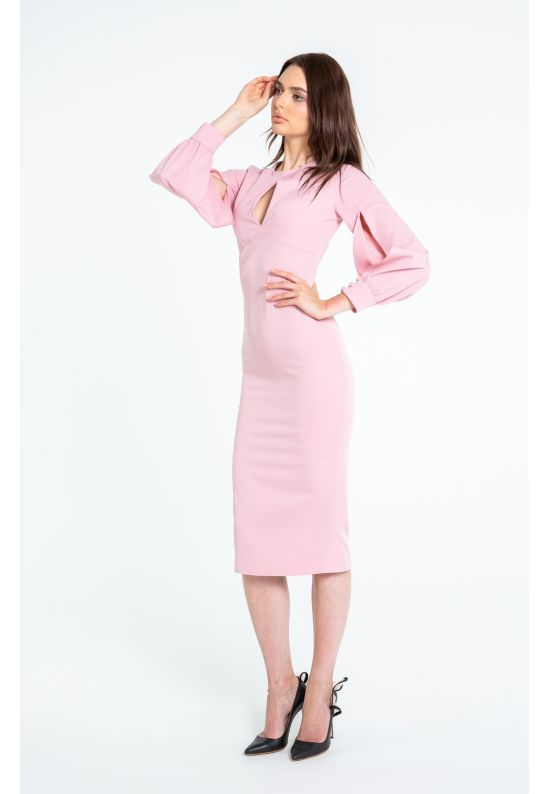 Женственное облегающее платье пастельно-розового цвета