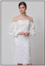 Шикарное платье со спущенными рукавами