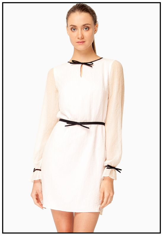 Белое платье из гофрированного шифона