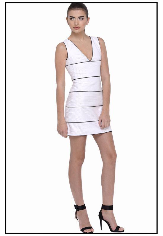Белое платье из жаккарда