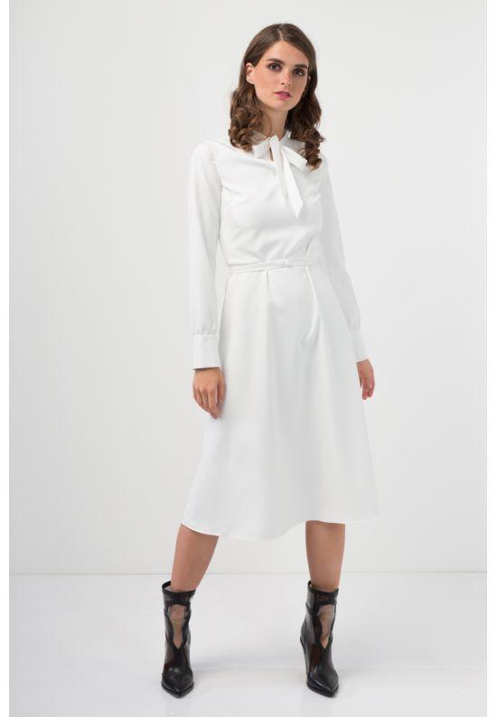 Белое стильное платье