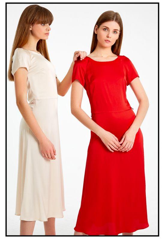 Бежевое шелковое платье миди