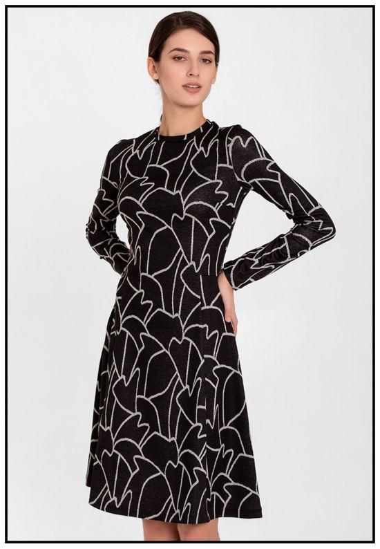 Черное платье с абстрактным рисунком