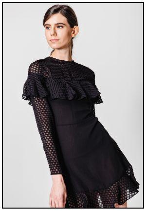 Черное шифоновое платье с воланами