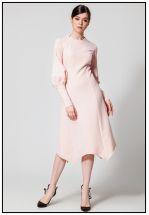 Деловое платье в пудровом цвете