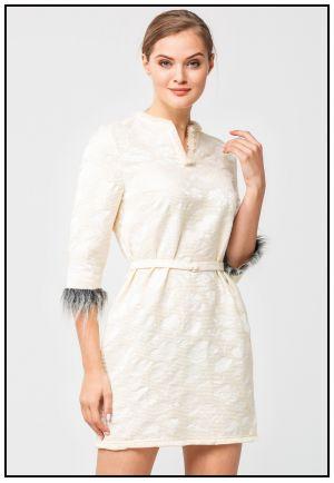 Фактурное платье с эко мехом