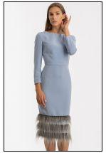 Голубое платье миди с меховым манжетом по подолу
