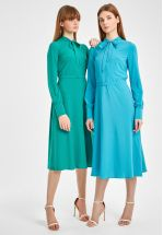 Платье миди изумрудного цвета