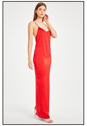 Платье в пол в алом цвете