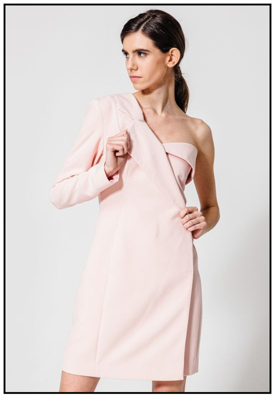 Платье-жакет в пудровом цвете