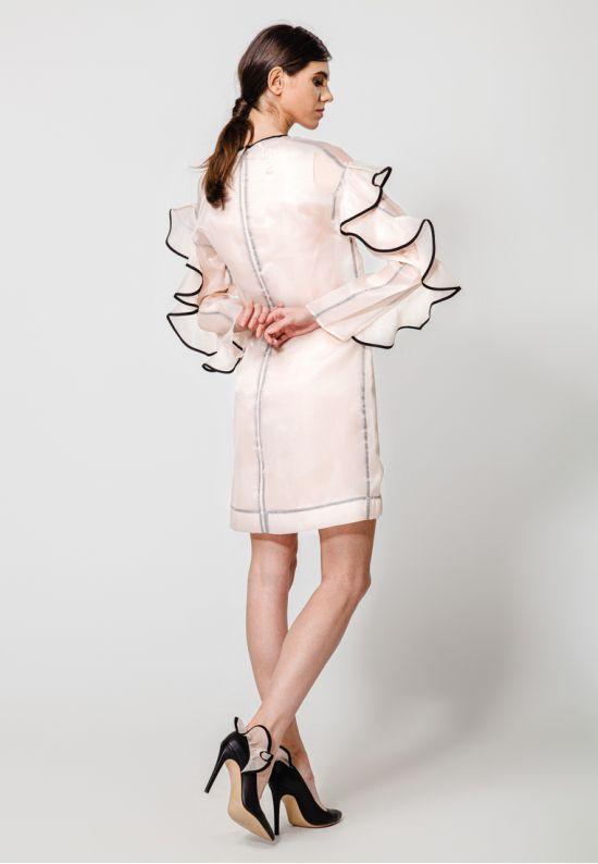 Полупрозрачное платье из органзы с воланами