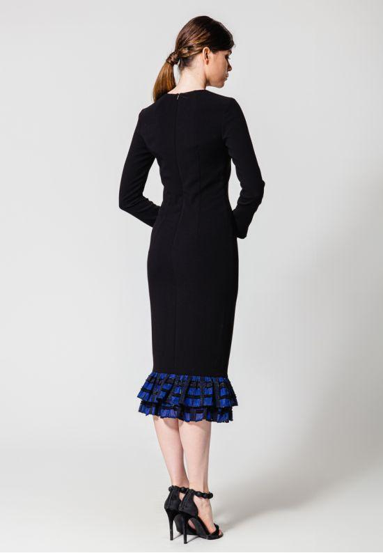 Приталенное платье миди