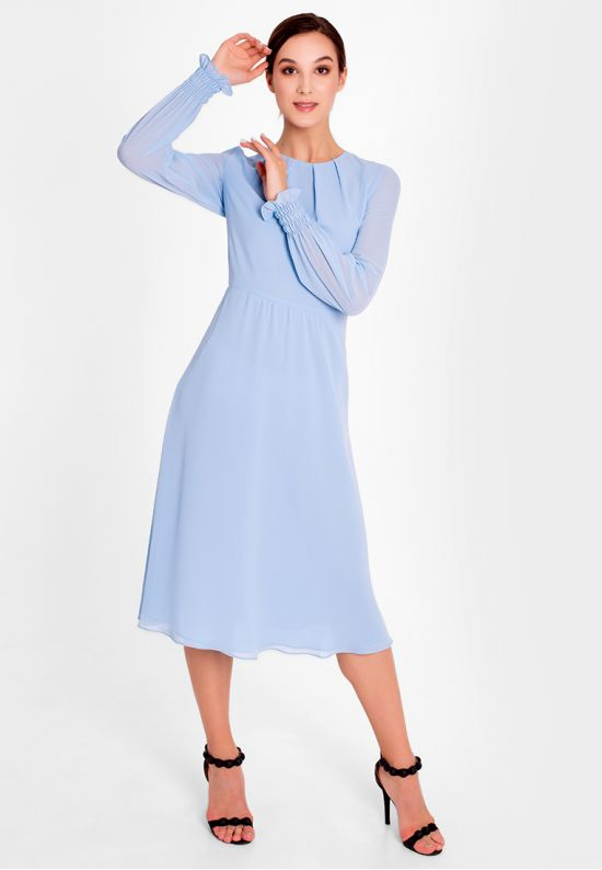 Романтичное платье миди в голубом цвете